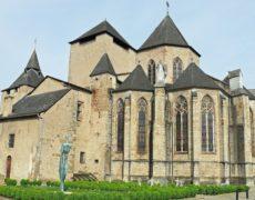 Attaque au bélier contre la cathédrale d'Oloron-Sainte-Marie