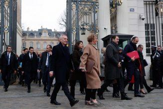 """La France ridiculisée : """"Quand vous suivez un ministre en France, vous êtes dans un autre monde"""""""