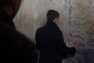 Emmanuel Macron se trompe en désignant le christianisme comme une «religion du livre»