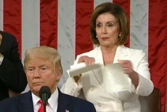 Donald Trump ridiculise Nancy Pelosi