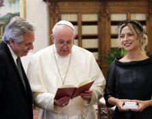 Scandales au Vatican lors de la visite du président argentin