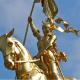 30 mai : inauguration de la statue de Jeanne d'Arc à Saint-Péterbourg