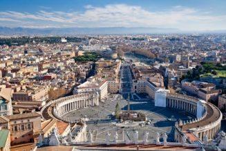 Toutes les églises de Rome fermées pour le septième anniversaire de l'élection de François