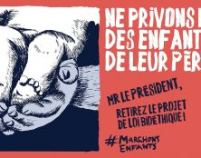 Nouvelle manifestation devant l'Elysée pour demander le retrait du projet de loi ni bio ni éthique