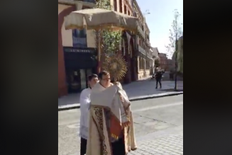 Bénédiction du Saint-Sacrement à Toulouse