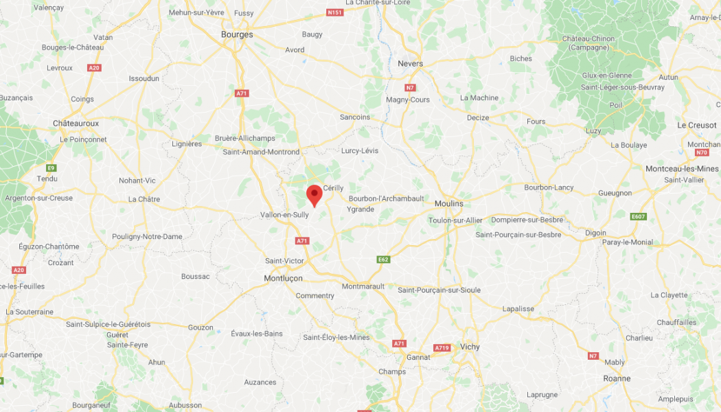 Le Maire de Saint-Caprais (Allier) consacre sa commune à la Vierge Marie