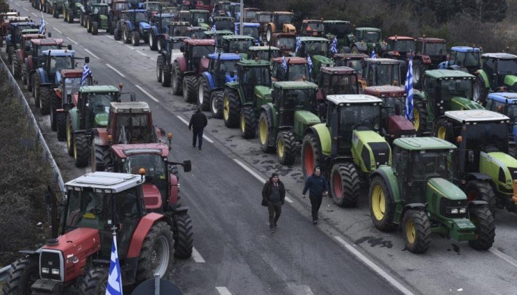 La Grèce résiste à l'invasion depuis la Turquie
