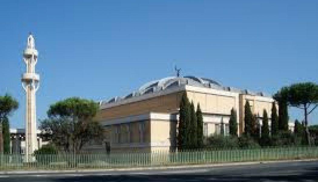 La mosquée, lieu de prière et de pouvoir