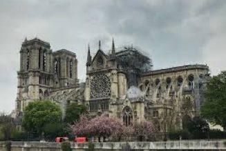 Vénération de la Sainte Couronne à Notre-Dame de Paris