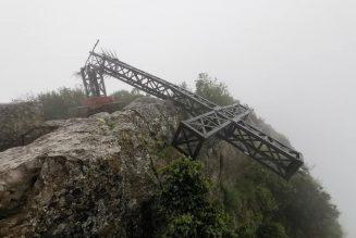 La croix au sommet du Pic Saint-Loup a été coupée
