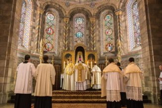 Nouveau recours judiciaire contre l'interdiction des messes publiques