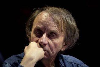 """Houellebecq : """"Jamais on n'avait exprimé avec une aussi tranquille impudeur le fait que la vie de tous n'a pas la même valeur"""""""
