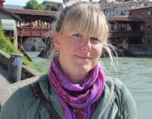 """Le député italien Sara Cunial demande l'arrestation de Bill Gates pour """"Crime contre l'Humanité"""""""