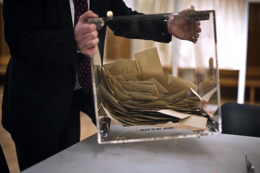 """""""Encourager par son vote"""" : les différentes interprétations de la note sur les principes non négociables"""