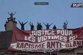 Face au racisme des pro-Traoré,  de courageux militants dressent une banderole contre le racisme anti-blanc