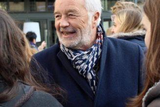 François Rebsamen se plaint de la situation qu'il a lui-même créée