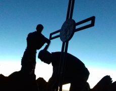 Réinstallation de la croix du Pic du Carlit