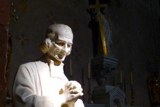 Neuvaine au Curé d'Ars: Jour 8 – « Les croix sont la route du Ciel. »