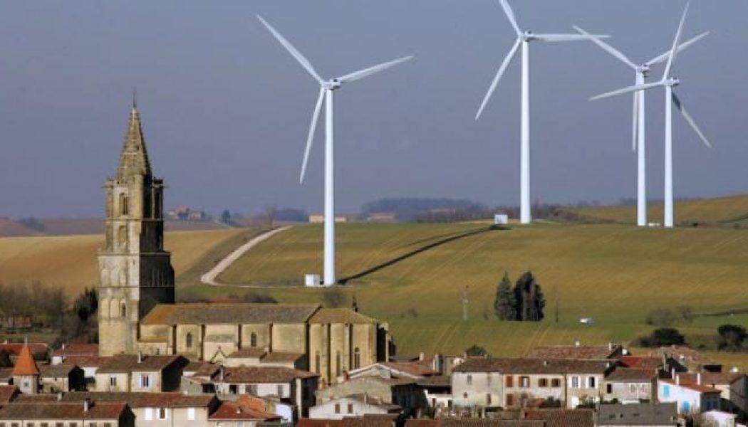 Robert Ménard ne prend pas de gants pour parler des éoliennes et des écolos parisiens