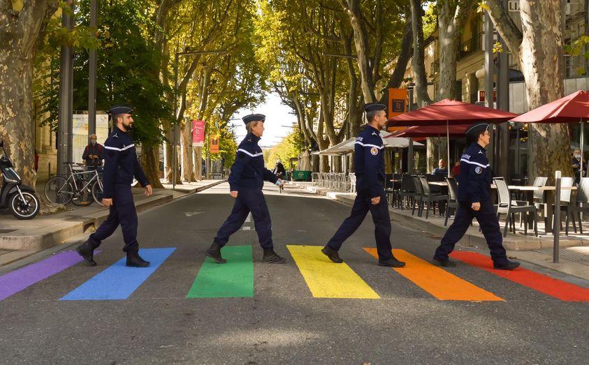 La gendarmerie du Vaucluse fait de la propagande LGBT au lieu d'assurer la sécurité
