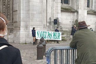Manifestation pour la messe à Rouen