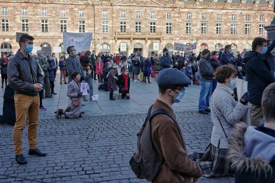 Le Tribunal administratif de Paris estime à son tour que prier sur la voie publique dans le cadre d'une manifestation est parfaitement légal