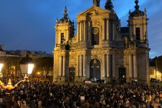 L'évêque de Versailles maintient qu'il n'est pas possible de sélectionner les fidèles autorisés à participer à la messe