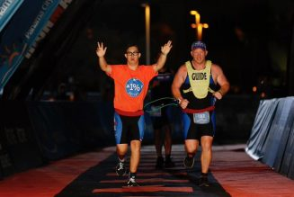 Porteur de la trisomie 21, il termine un triathlon en Floride
