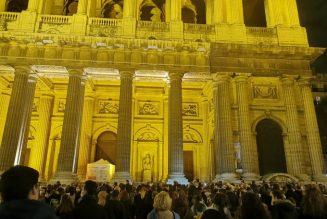 Intervention de l'abbé Michel Viot devant Saint-Sulpice : la messe c'est la vie même du catholicisme