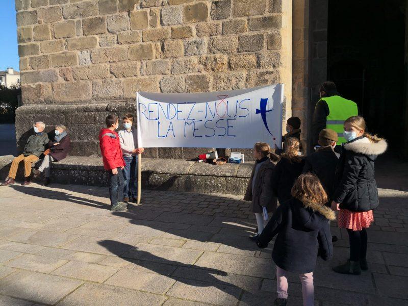 """Manifestation pour la messe à Limoges : """"Nous sommes là parce que nous avons faim"""""""