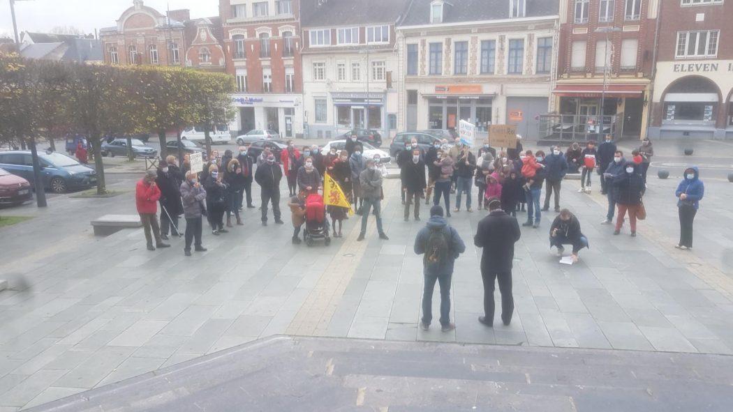 Mgr Dollmann présent parmi les manifestants à Cambrai