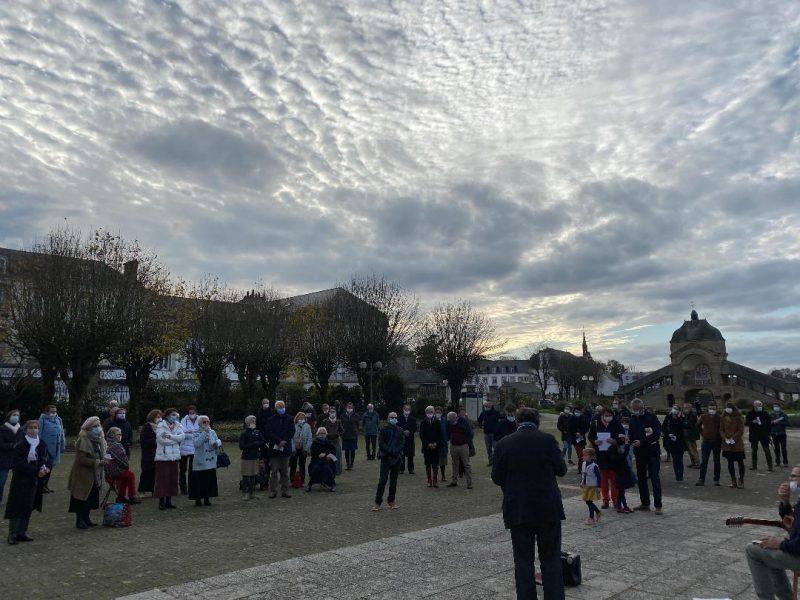 Manifestation pour la messe à Sainte-Anne d'Auray
