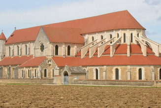 Que va devenir l'abbaye de Pontigny ?