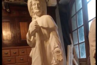 Sculpture sur pierre de St Jacques