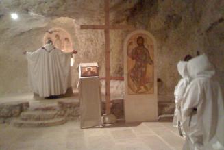 La famille monastique de Bethléem : l'adoration de la Sainte Trinité