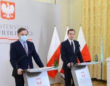 Projet de loi polonais contre la censure par les médias sociaux