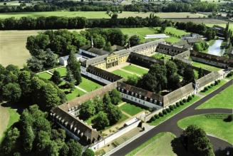 Découvrez l'abbaye de Sept-Fons, une abbaye cistercienne à l'histoire quasi-millénaire