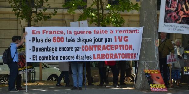 Changement de lieu pour la manifestation de SOS Tout-Petits