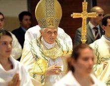 Motu proprio Spiritus Domini sur l'ouverture aux femmes des fonctions liturgiques de Lecteur et d'acolyte
