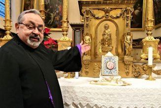 Le père Joseph Kelekian se penche sur sa vocation et sur l'Arménie