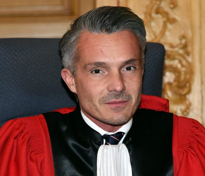 Le Procureur Christophe Amunzateguy explose le point Godwin