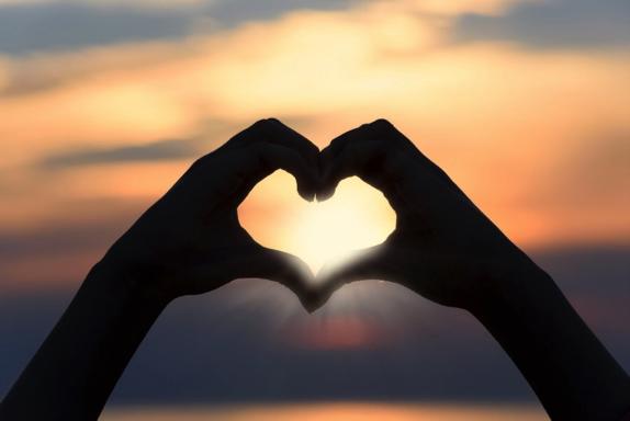 Saint Valentin : en couple ou célibataire, on a tous une raison de célébrer l'amour