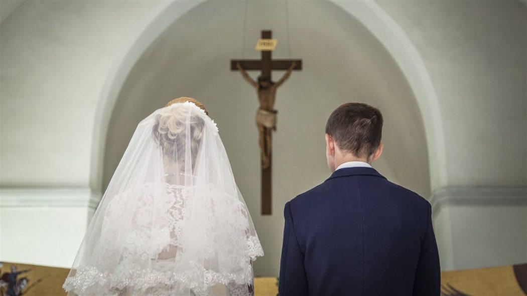 « L'Église aime les femmes parce qu'elle a toujours vu dans l'idéal féminin le lieu propre de l'accueil et du don »