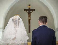 Retrouver le sens de l'amour conjugal au pied de la croix