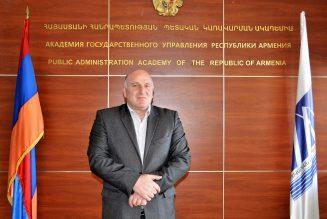 Arsen Lokyan forme les futurs fonctionnaires de l'Arménie