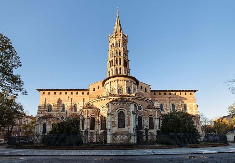 Inscriptions satanistes sur l'Eglise Saint-Sernin à Toulouse