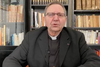 Catholiques attaqués : les accusations du Père Michel Viot contre le préfet