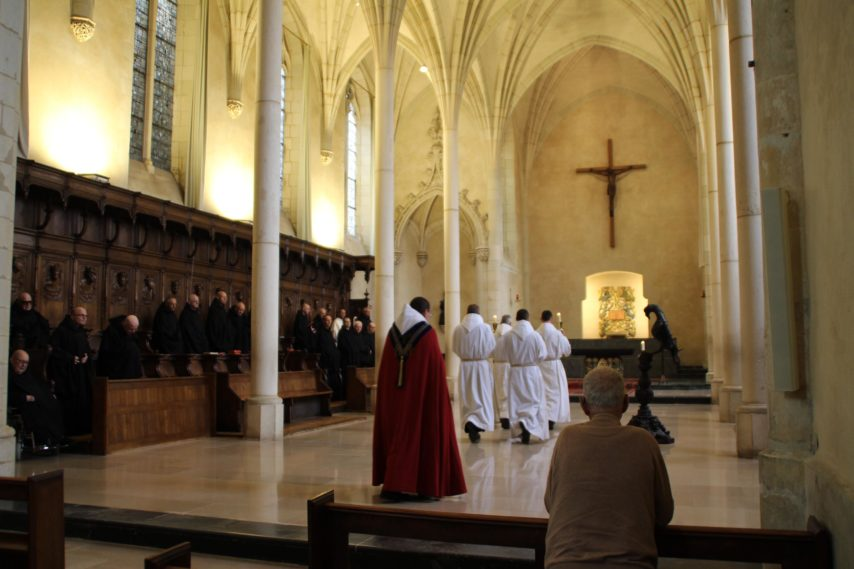 Voulez-vous découvrir un monastère de l'intérieur?