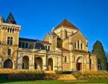 Pourquoi l'archevêque de Dijon a-t-il décidé de se passer des services de la Fraternité Saint-Pierre ?
