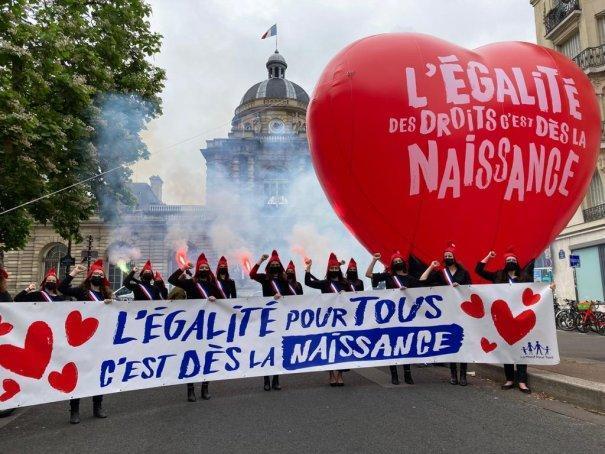 Rejet du projet de loi bioéthique au Sénat : Emmanuel Macron doit tenir son engagement d'abandonner ce projet